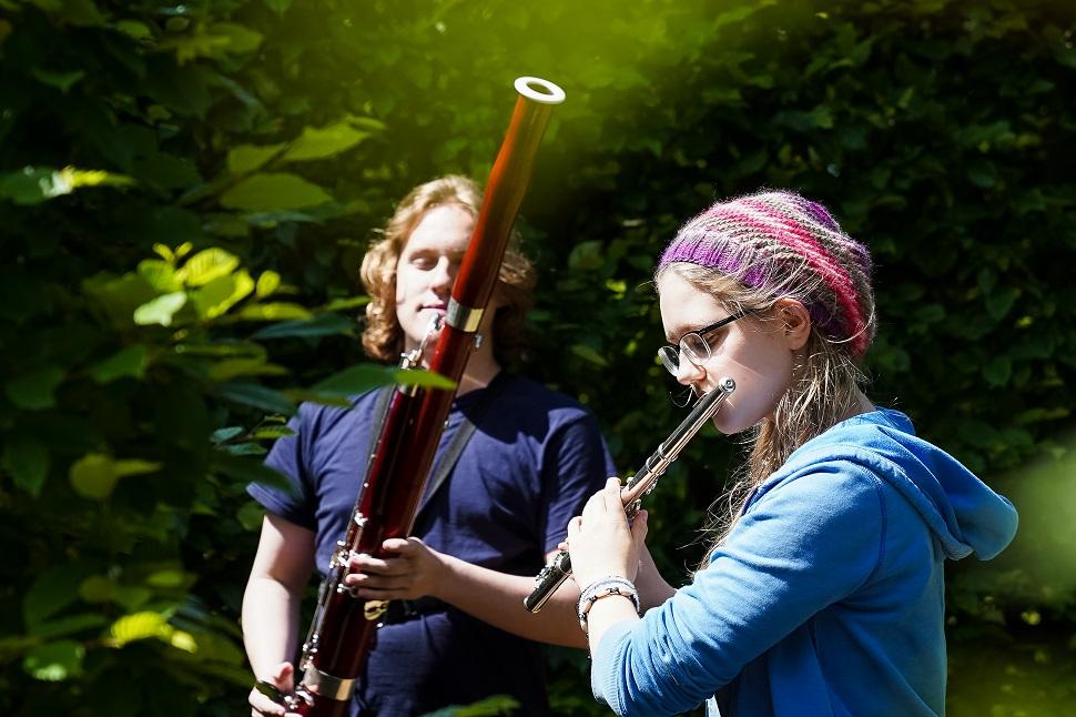 Musizierende Jugendliche